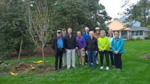 Photo of Mayor Joni Reich and residents that helped plant the tree in honor of former Mayor David Lyons
